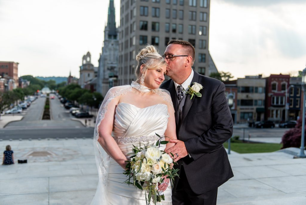 harrisburg capitol rotunda wedding emerald stone photography