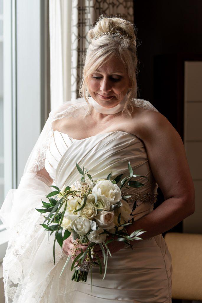 emerald stone photography bridal portrait wedding bouquet