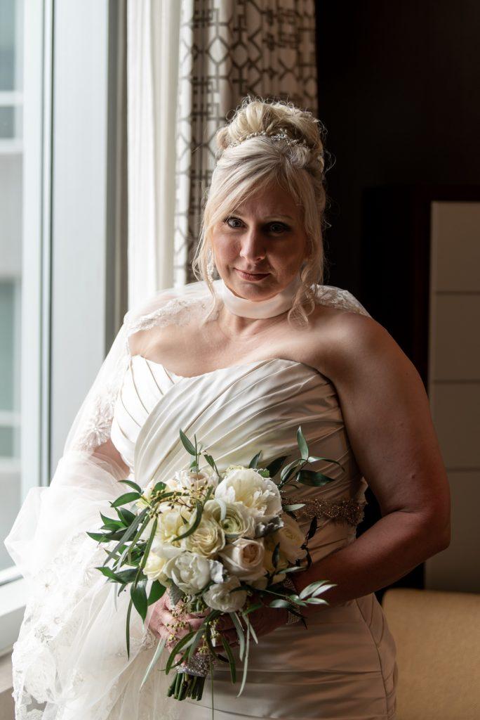 emerald stone photography bridal portrait wedding bouquet white flowers