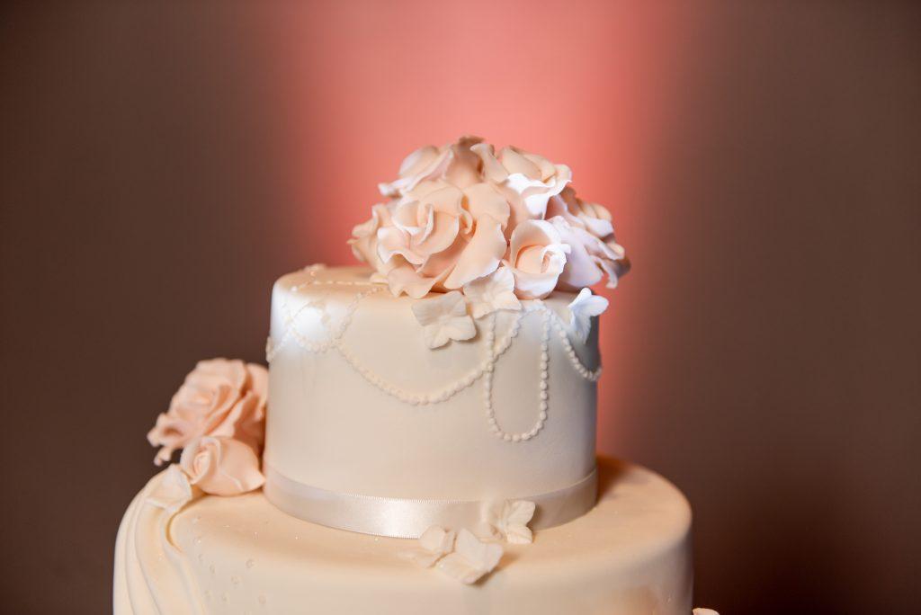 harrisburg capitol rotunda wedding emerald stone photography wedding cake
